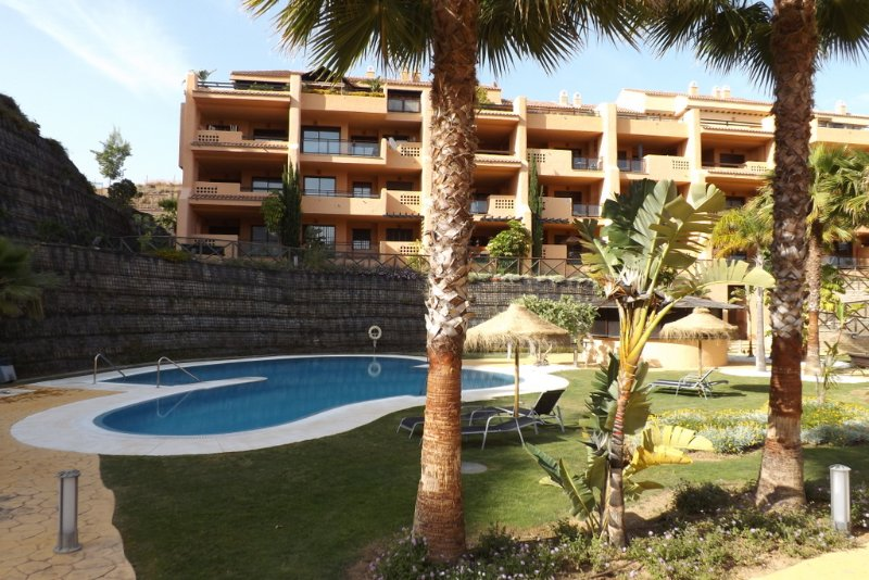 Apartment - 2 Bedrooms with Pool and WiFi - 101380, holiday rental in Sitio de Calahonda
