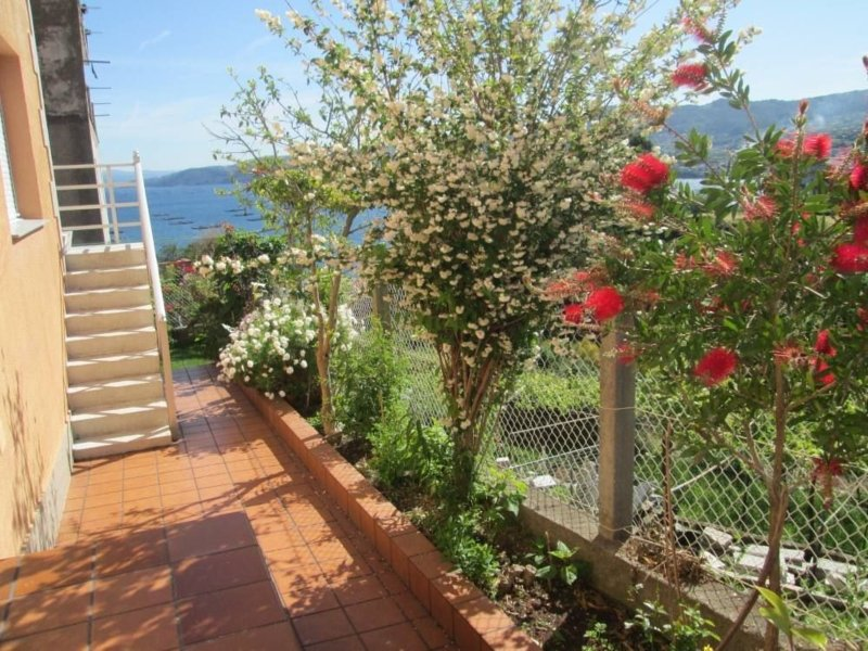 Apartment - 2 Bedrooms with WiFi and Sea views - 101893, holiday rental in Castrelo