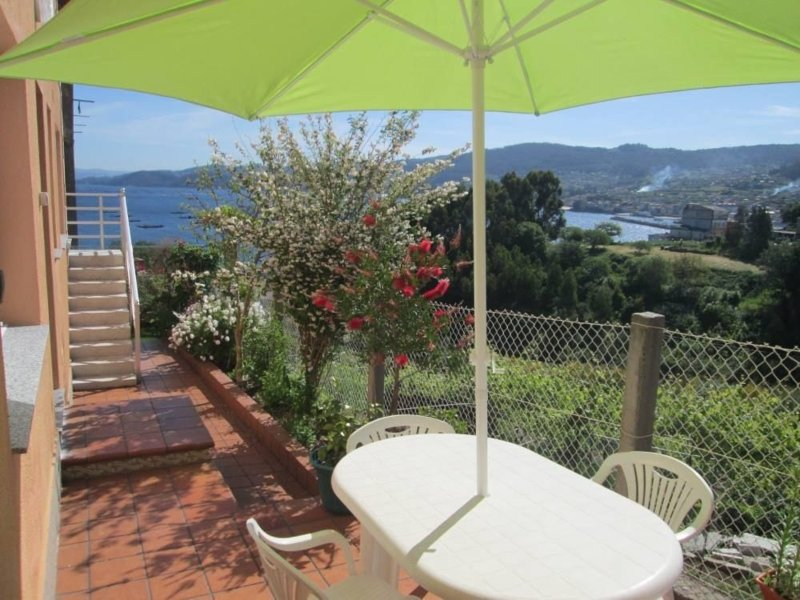 Apartment - 2 Bedrooms with Sea views - 101892, holiday rental in Castrelo