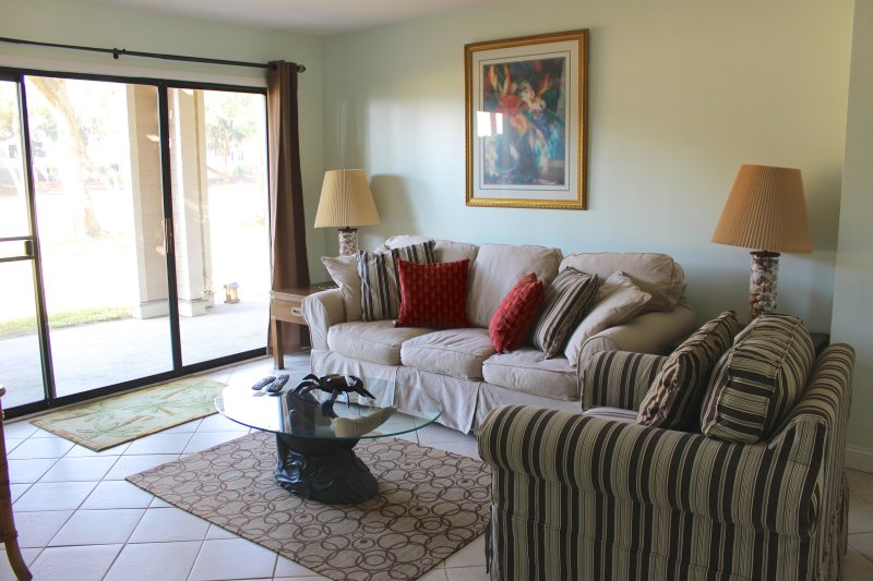 Welcome to this bright and spacious two bedroom villa!