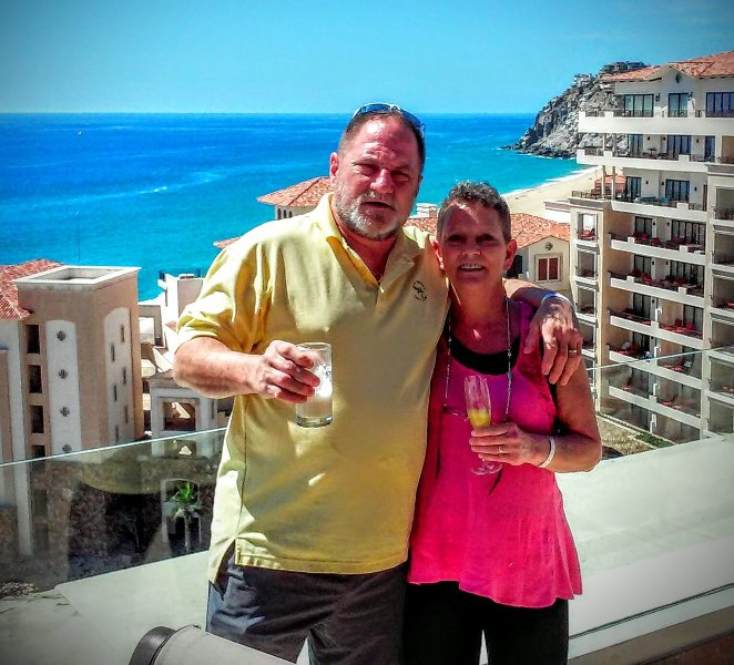 Ma femme et moi pour célébrer notre nouvelle location de vacances