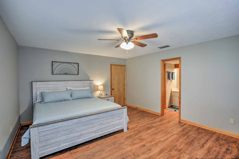 Get a good night's rest in one of the 5 spacious bedrooms.