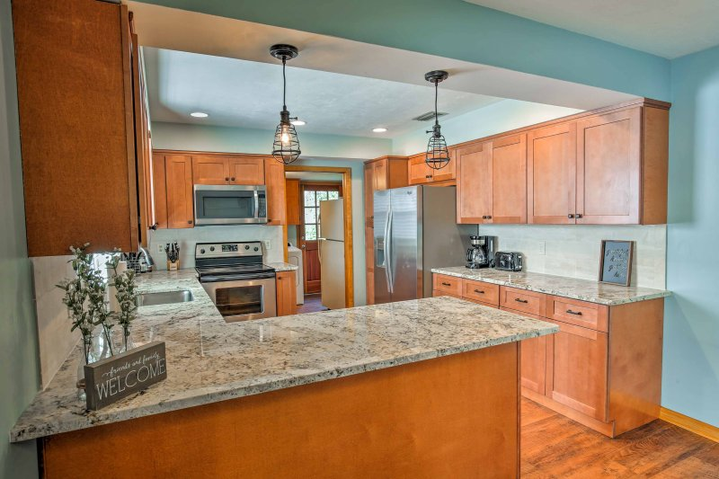 The designated chef is sure to enjoy the newly updated, fully equipped kitchen.