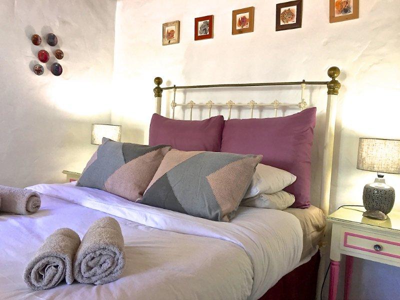 Grace Walk Guesthouse Rose Quartz Has Internet Access And Wi Fi Updated 2021 Tripadvisor Swellendam Vacation Rental