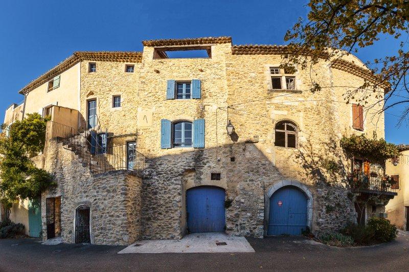 La Maison Bleue, holiday rental in Gras