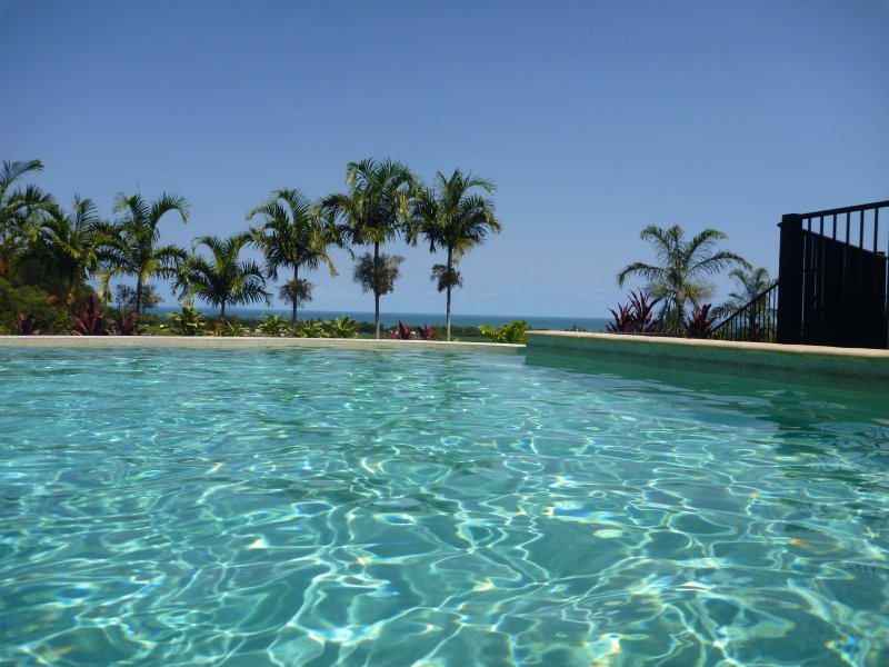 Port Douglas Sea Views Estate, vacation rental in Port Douglas