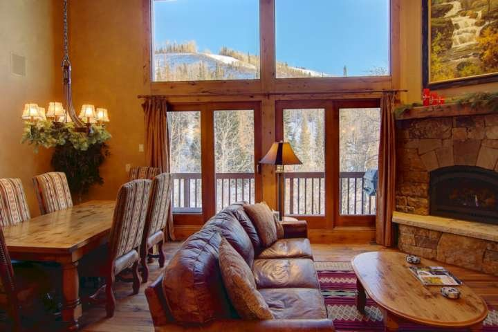 Kick back by the fire, watch tv and take in spectacular views