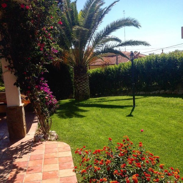 DOMUS DAMS B&B 19, holiday rental in Laterza