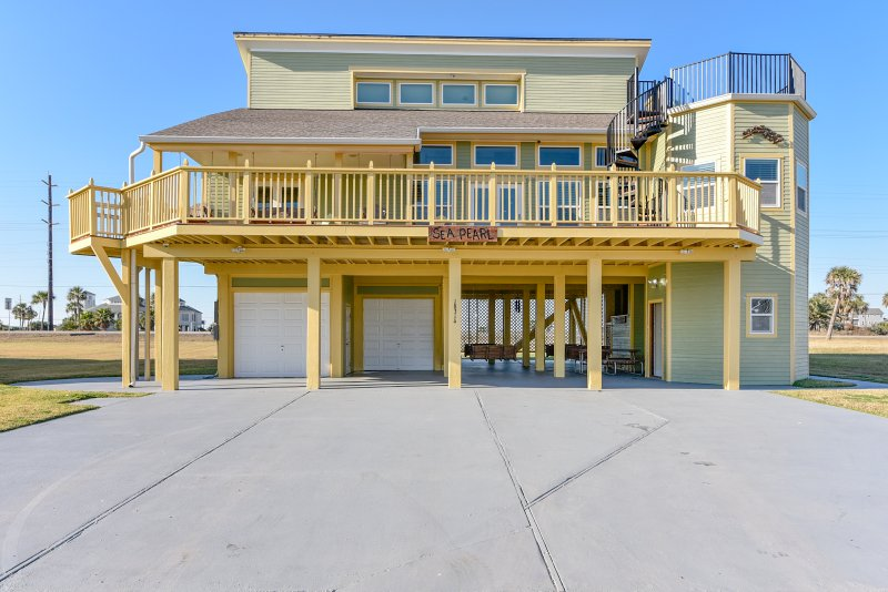 Astonishing Sea Pearl Updated 2019 6 Bedroom House Rental In Galveston Home Interior And Landscaping Elinuenasavecom