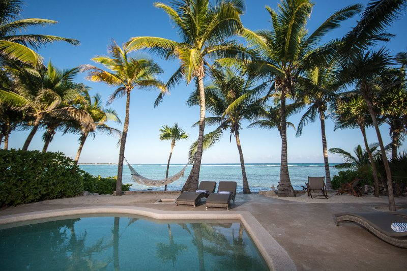 Casa Texoma - Beachfront Luxury Villa with Private Staff in a Gated Community, vacation rental in Chacalal