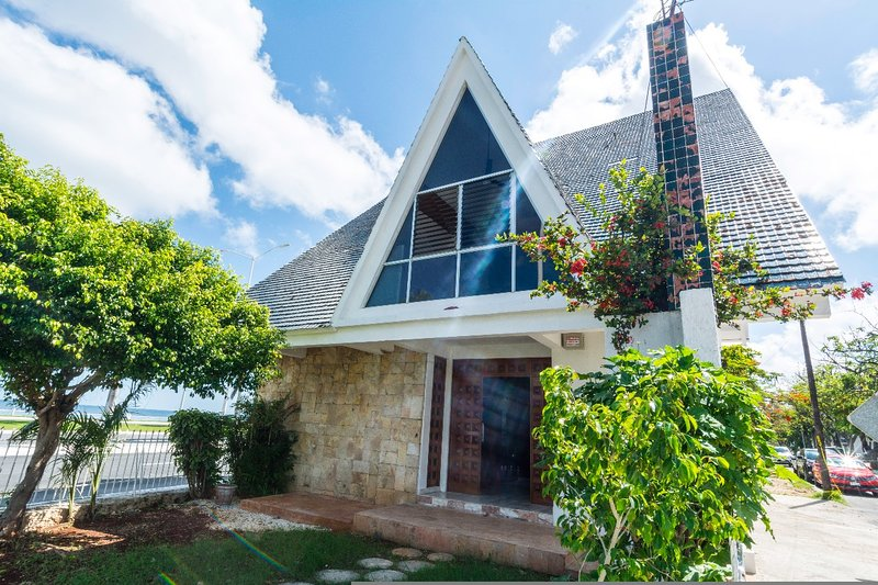 Malecon House, holiday rental in Chunkanan