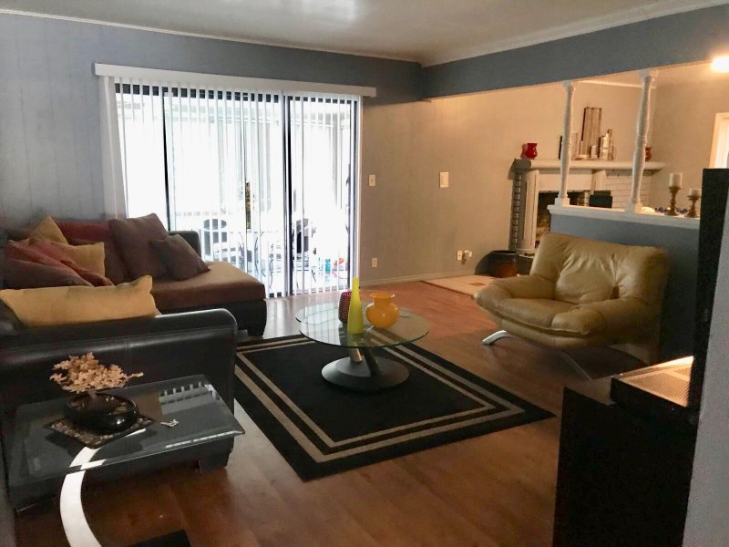Spacious , comfortable house in Northridge, holiday rental in Simi Valley