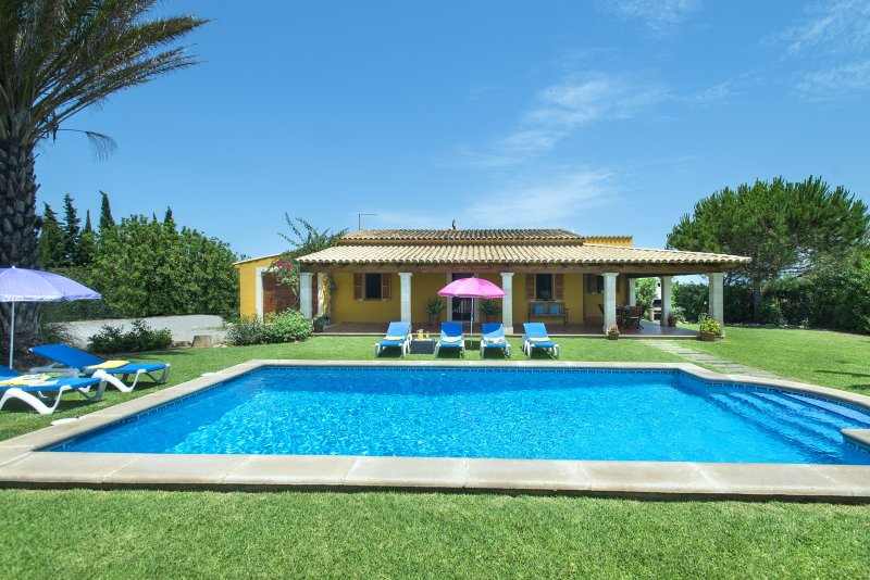 Enjoy with your family the Beautiful Private Pool of Villa Bovis Chalet in Puerto Pollensa