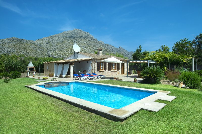 Enjoy in Villa Margarita a Little Distance from the Beach Chalet in Puerto Pollensa