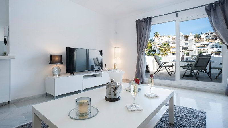 5 Star Luxury Penthouse Puerto Banus Marbella, holiday rental in Nueva Andalucia