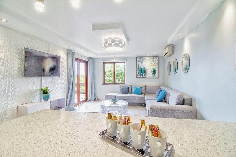 San Lameer 2 Bedroom Villa, holiday rental in Trafalgar
