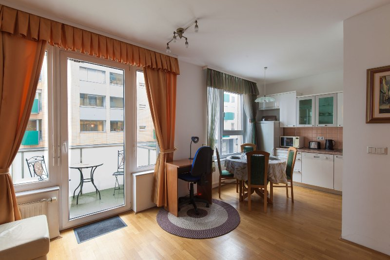 1BD apartment with AC and garage - Anita Tour As, holiday rental in Ljubljana
