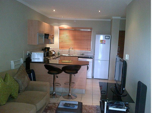 Luxury 1 Bedroom Apartment, holiday rental in Illovo