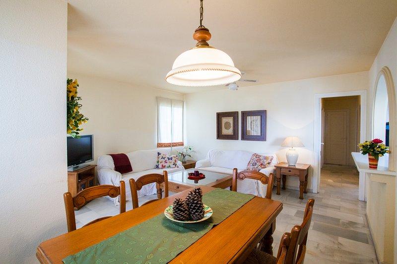 Fabulous south facing 2 bedroom apartment, vacation rental in El Morche
