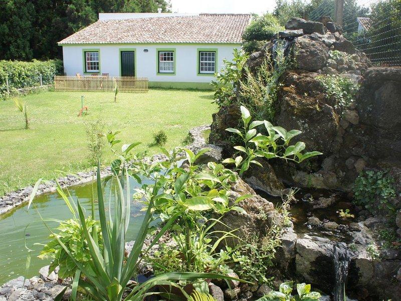 Casa Verde - Simples, confortável e acolhedora, Ferienwohnung in Rabo de Peixe