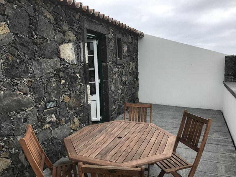 Apartamento Uva - Simples, confortável e acolhedor, Ferienwohnung in Rabo de Peixe