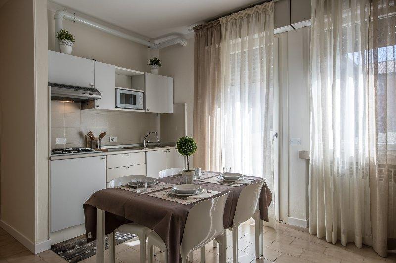 Monica Apartment - Sirmione, holiday rental in Lake Garda