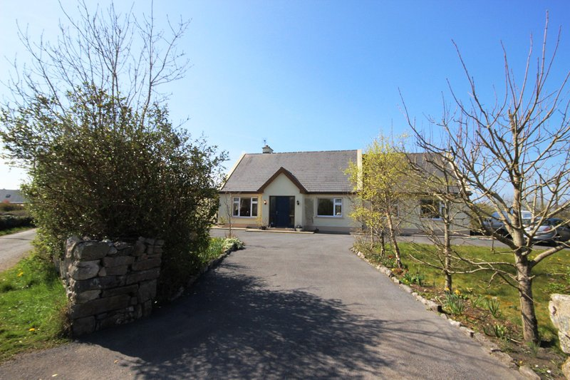 Molly's Cottage, Furbo, vacation rental in Spiddal