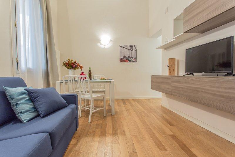 Santa Sofia Apartments - San Fermo Apartment, holiday rental in Padua