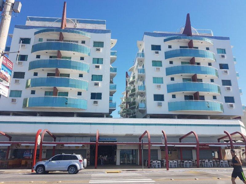 Linda cobertura triplex com vista lateral da praia do forte, vacation rental in Cabo Frio