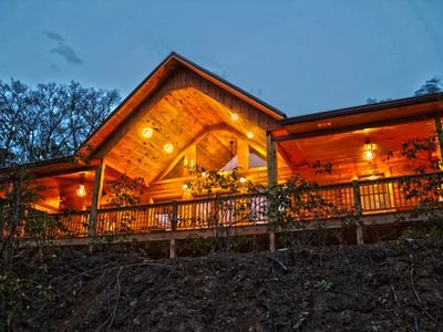 Smoky Mtn Luxury 10 min to Tsali, NOC 15 min to Great Smoky Mtn Railway, aluguéis de temporada em Bryson City
