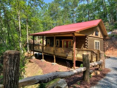 Smoky Mtn Honeymoon cabin-10 min to Tsaili NOC 15 min to Great Smoky Mtn Railway, aluguéis de temporada em Bryson City