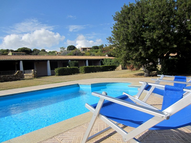 Villetta con piscina 42 rose - Residence Abba Urci, location de vacances à Tertenia