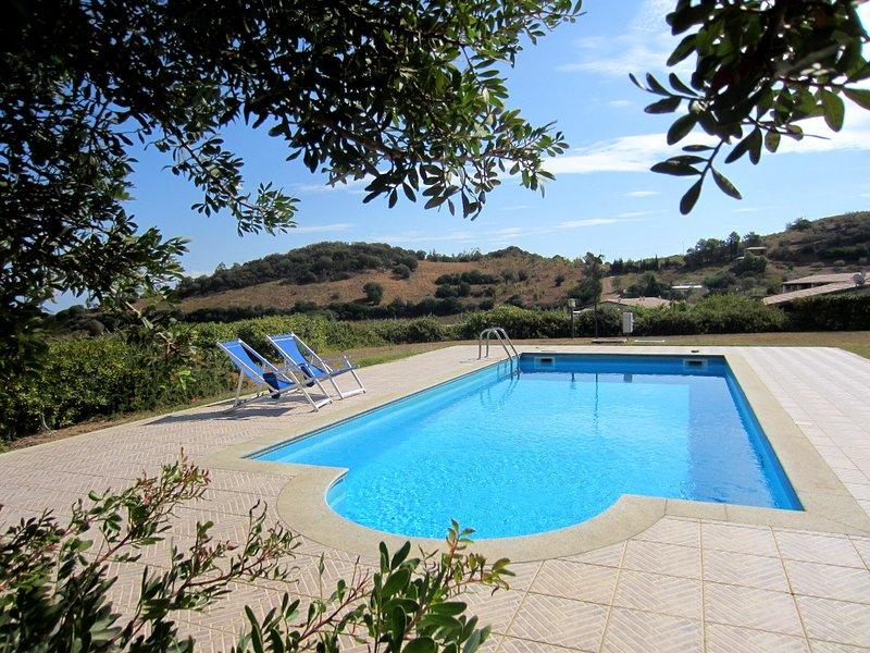 house sea view with pool - Residence Abba Urci, 60, location de vacances à Tertenia