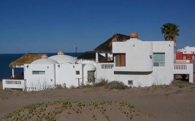 BARGAIN BEACH FOR SMALL FAMILIES 1 HR SOUTH OF PP, vacation rental in Puerto Penasco