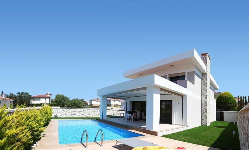 Haus mit eigenem Pool in toller Lage Alaçatı an der Westküste der Türkei, holiday rental in Alacati