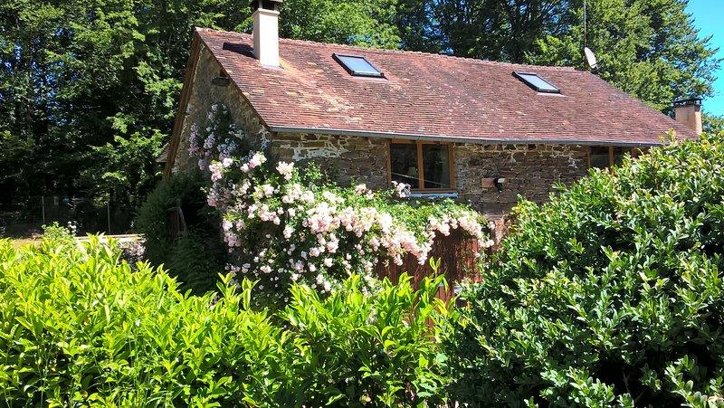 Le Moulin Neuf Sud Holiday Cottage, Dordogne, SW France, casa vacanza a Ladignac le Long