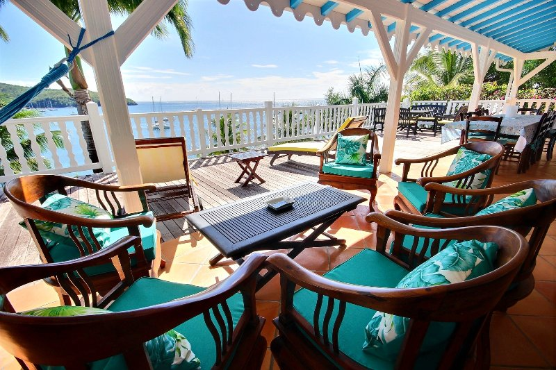 Outdoor lounge with sea view, Villa Ifrevana in Grande Anse, Martinique