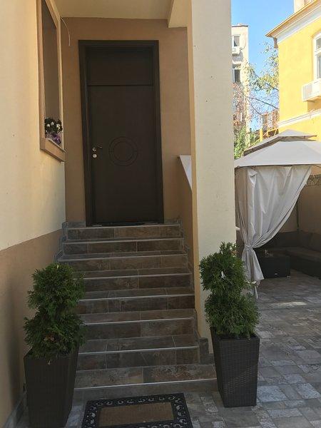 El Centro casa guesthouse, holiday rental in Burgas