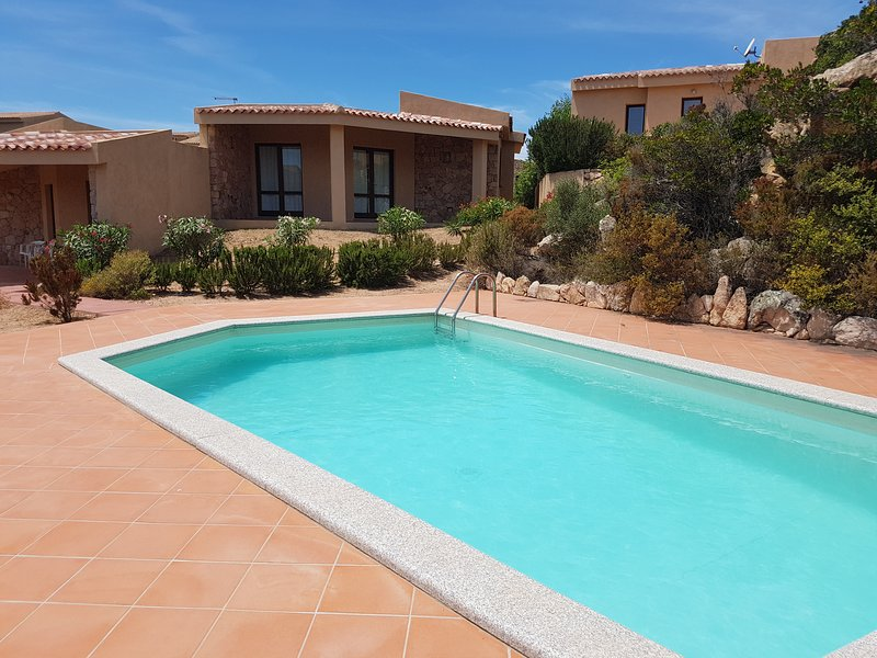 Holiday house Li Streghi in front of the swimming pool, holiday rental in Costa Paradiso