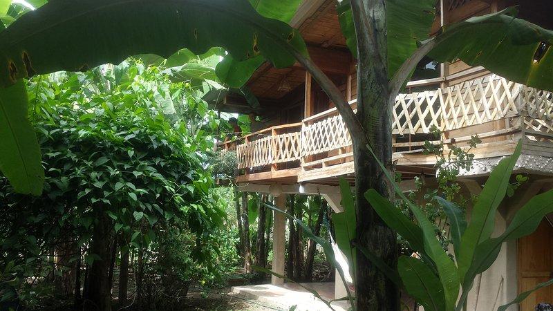 Eco Charlie Hostel, alquiler de vacaciones en Montañita