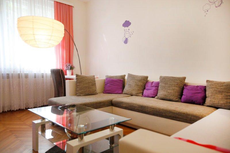 Apartment S&M Living room