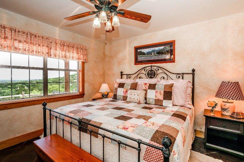 Deer Ridge Cottage, vacation rental in Fredericksburg