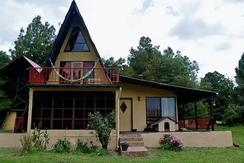 Chalets Amarelo, holiday rental in Nemocon
