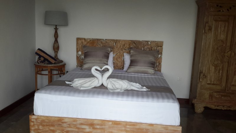 AMED BEACH VILLA..PAN2, vacation rental in Bunutan