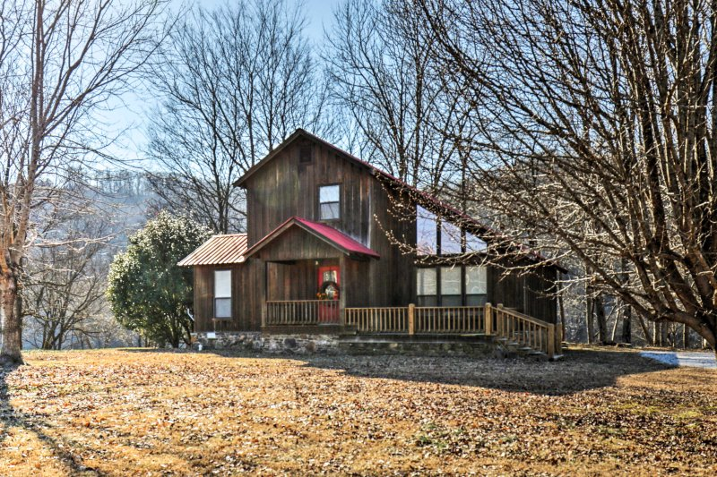 Welcome to 'Trout Valley Cabin,' a 2-bedroom, 2-bathroom vacation rental cabin in Mountain View!