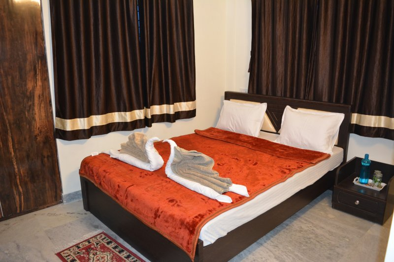 Luxurious rooms at prime location all modern amenities for family and corporate, holiday rental in Kolkata (Calcutta)