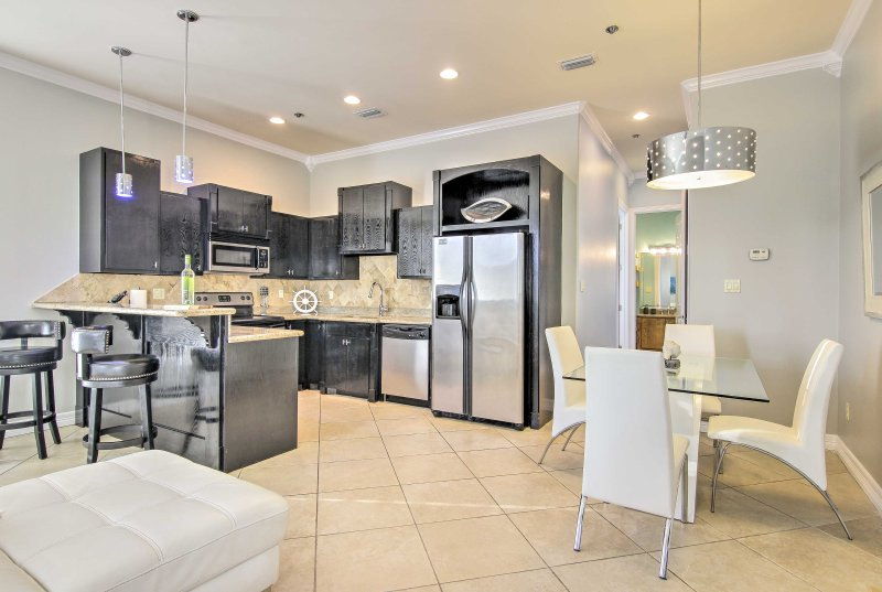 Experience the best of South Padre Island from this 3-bed vacation rental condo!