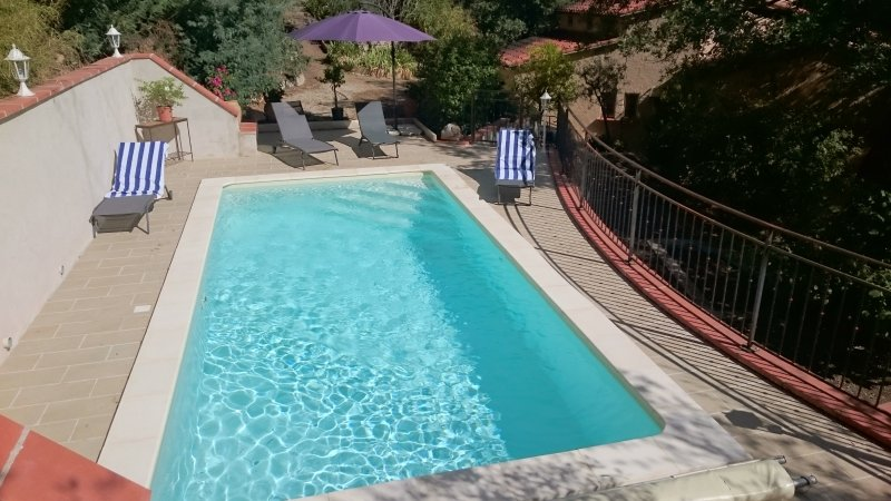 Catalan Style Villa Mathilde, pool, gardens, parking and wifi..Sleeps 7 + baby, vacation rental in Caramany