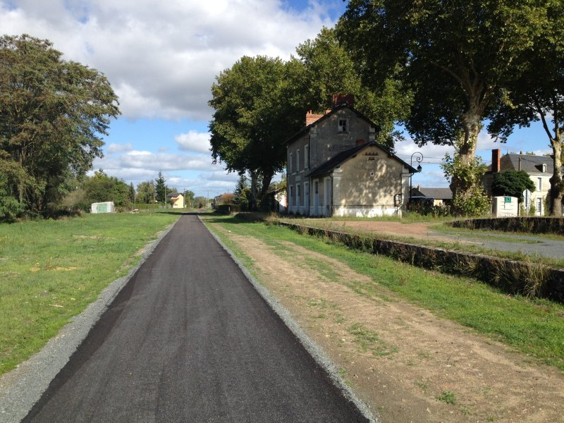 Voie Verte cycle route off road Richelieu to Chinon -opens Spring 2018