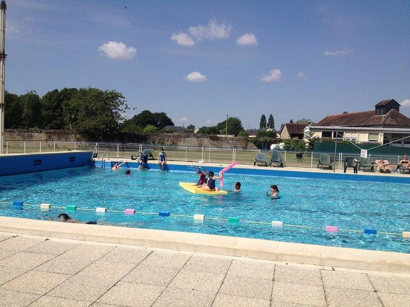 Richelieu pool (summer only)